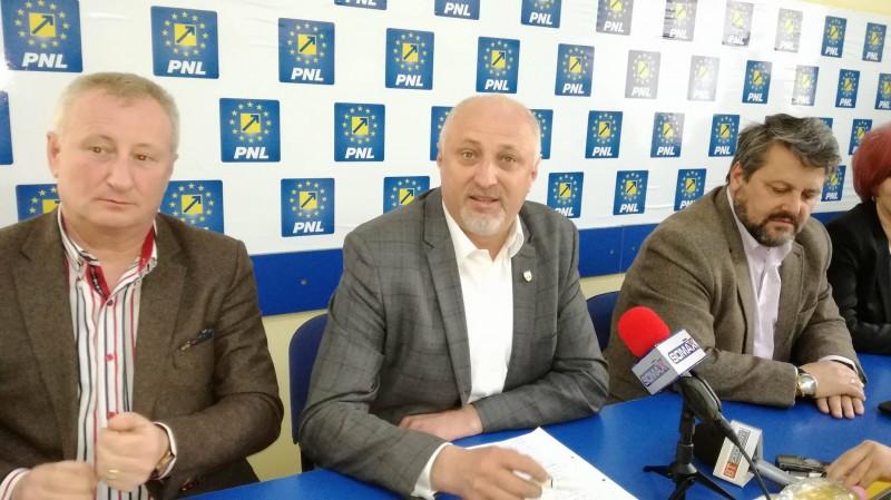 """Costel Șoptică, candidat la șefia PNL Botoșani: """"Vreau să terminăm cu sintagma foști și foști"""""""