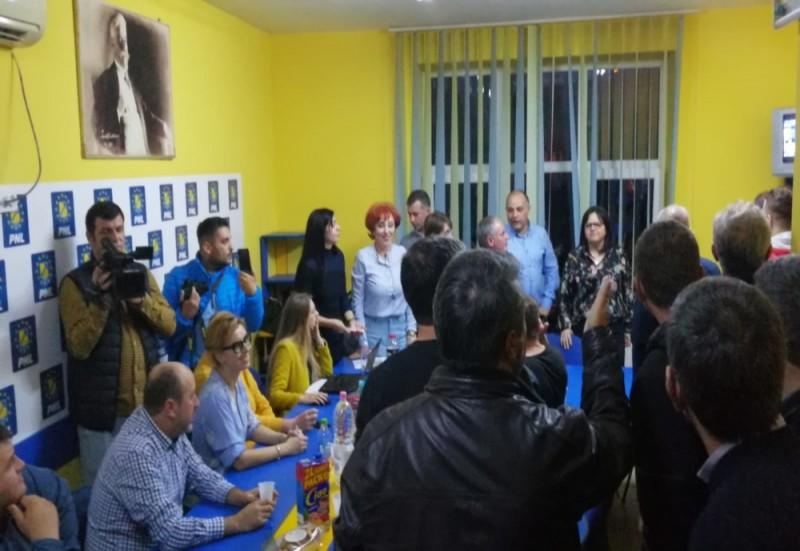 PNL i-a validat pe Flutur și pe Șoptică la Primăria din Botoșani, respectiv la Consiliul Județean