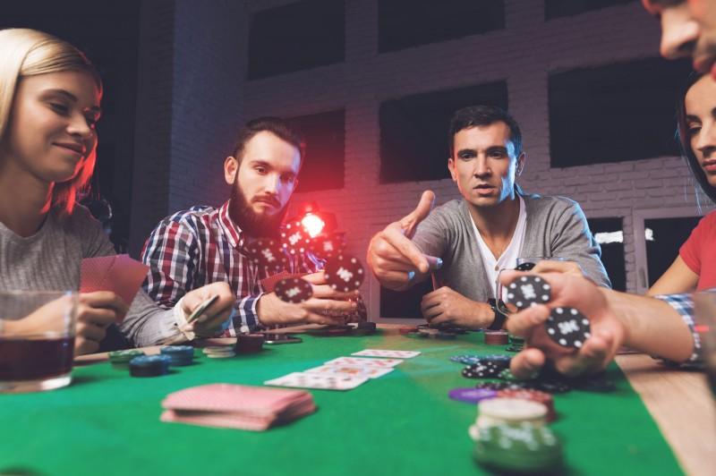 Pokerul online, un joc preferat de multi romani