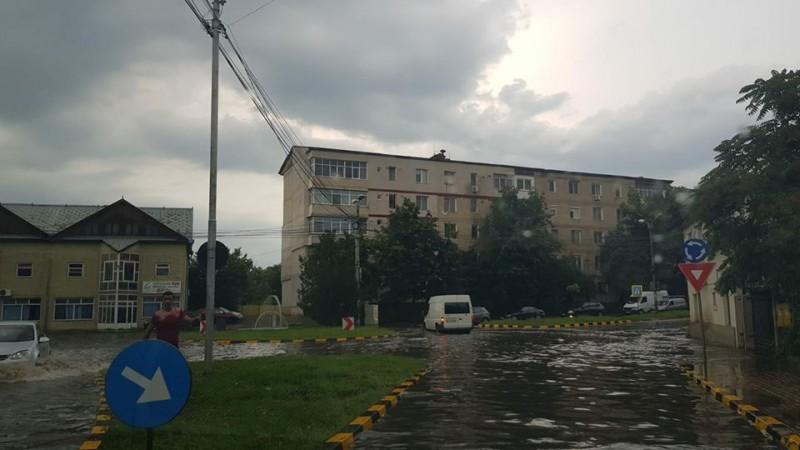Poliția Botoșani, avertisment pentru șoferi: Adaptați viteza la condițiile meteo și respectați indicațiile polițiștilor rutieri!