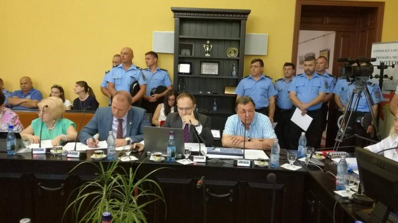 Consilierii locali rediscută salariile angajaţilor Poliţiei Locale