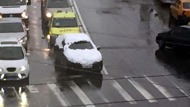 Poliția poate aplica amenzi de până la 2900 de lei dacă nu deszăpezești mașina