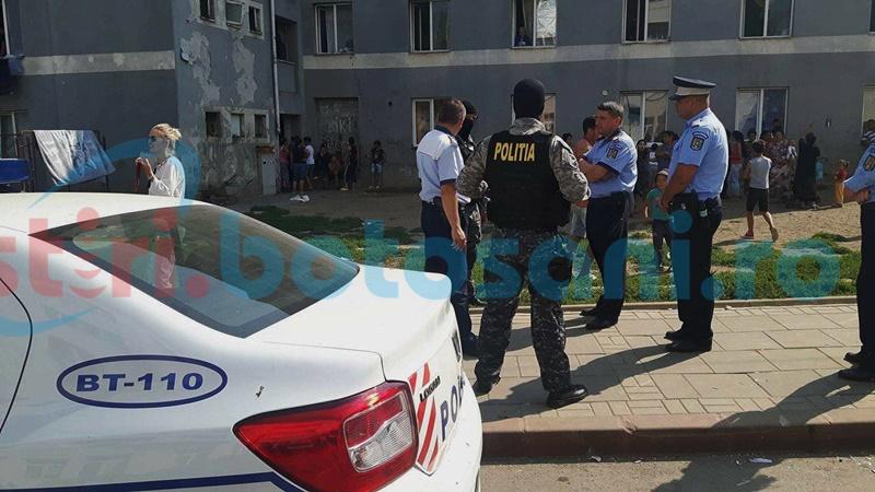 Polițist agresat la ghetourile din Parcul Tineretului! Intervenție în forță a mascaților! FOTO