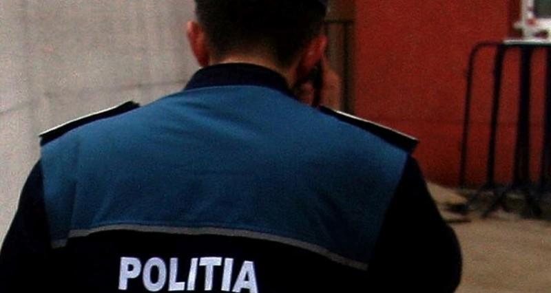 Poliţist botoşănean, acuzat de purtare abuzivă