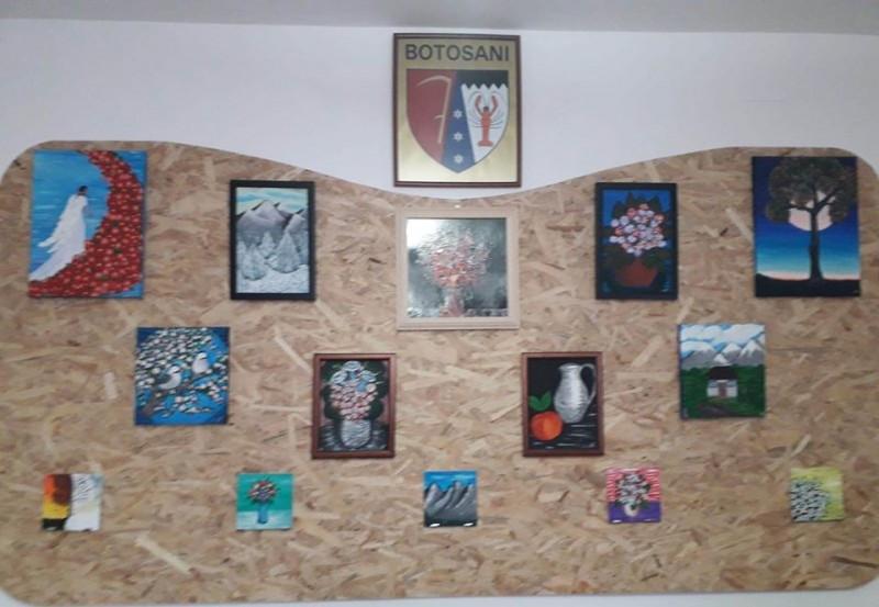 Polițista din Botoșani care pictează pentru a-și ajuta semenii