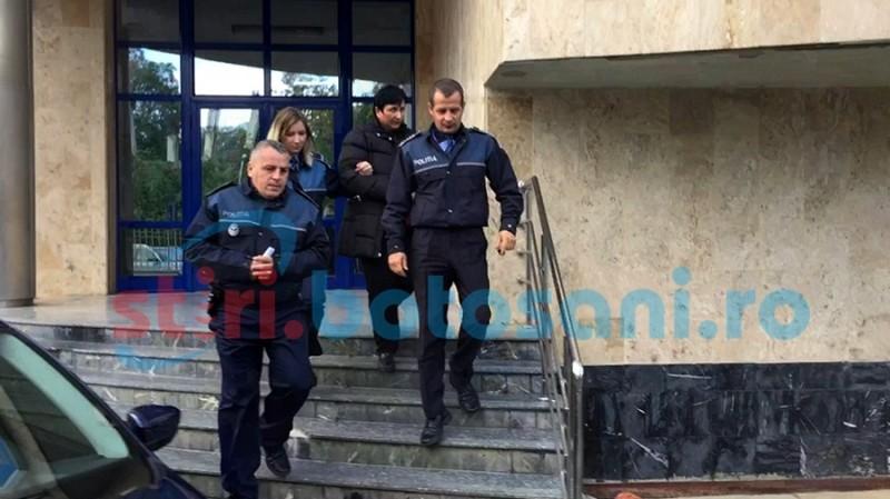 """Poliţistă locală cu """"istoric"""" în ce priveşte promisiuni contra bani"""
