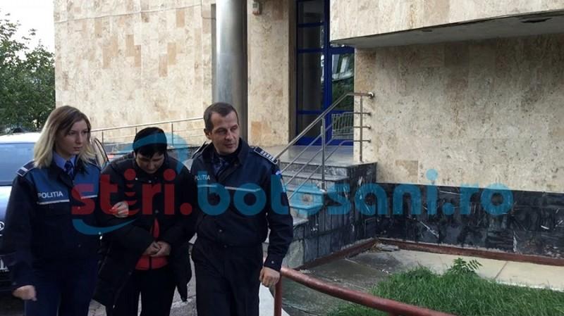 Poliţistă locală trimisă în judecată pentru infracţiuni de corupţie!