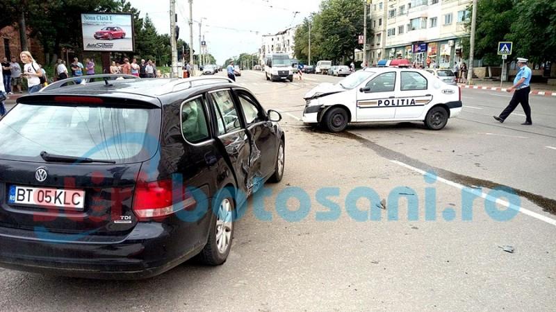Poliţişti şi scandalagiu răniţi în urma unui accident rutier pe Calea Naţională! FOTO- VIDEO