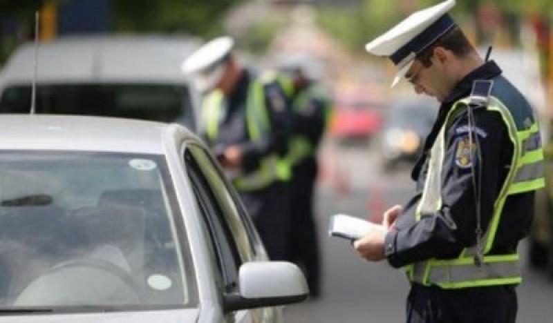 Polițiștii botoșăneni au dat în weekendul de Florii 230 de sancțiuni, în valoare de aproape 95.000 de lei!