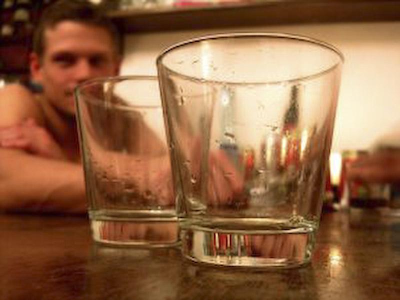 Politistii comunitari, hotarati sa ii arda la buzunare pe alcoolici