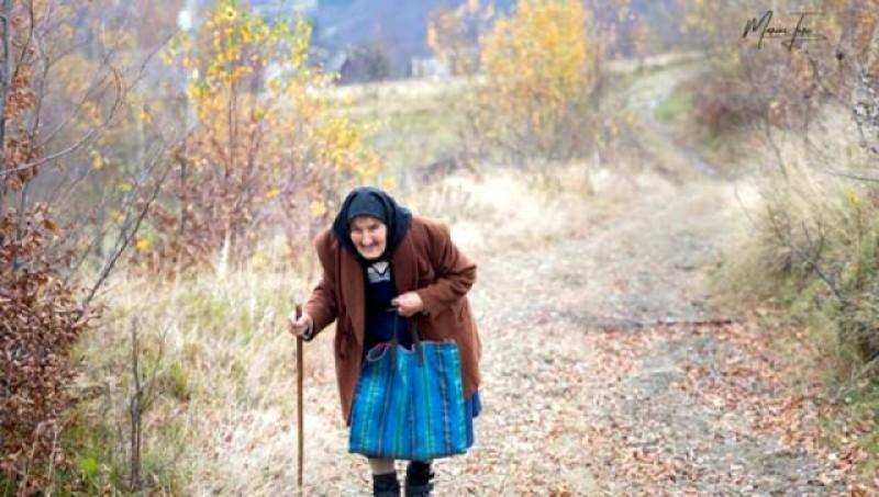 Polițiștii de la Botoșani au găsit bătrâna de 85 ani plecată la bazarul din Suceava care nu s-a mai întors acasă