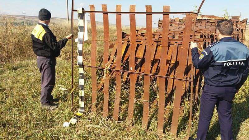 Poliţiştii de la Transporturi au recuperat 70 de panouri parazăpezi furate la Truşeşti!