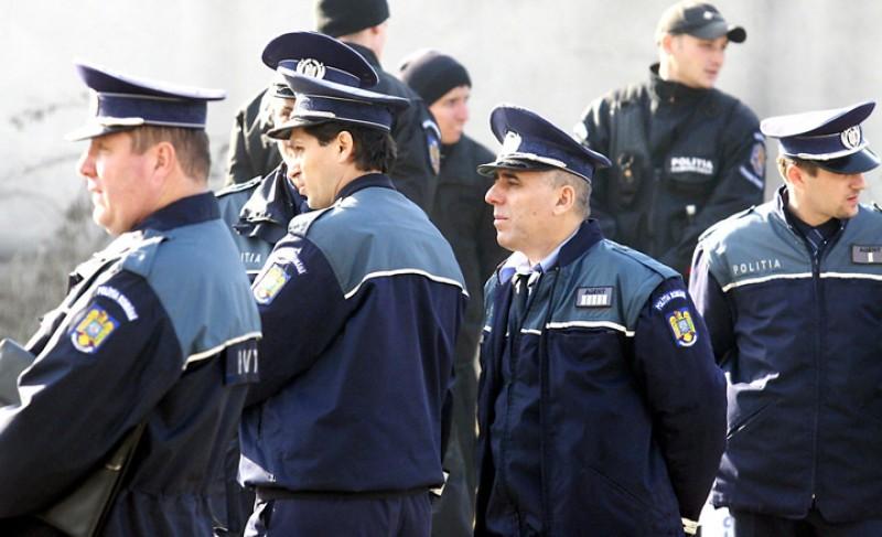 Poliţiştii se pensionează pe bandă rulantă: 700 de cereri în doar câteva zile!