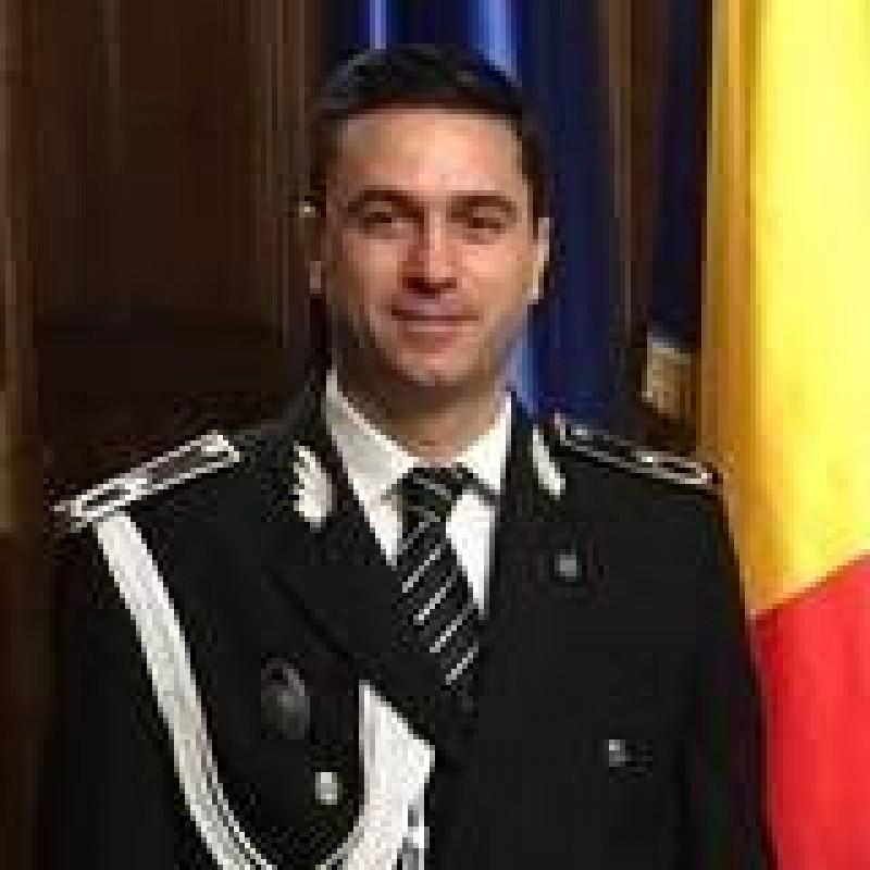 Politistul pedofil zdruncina Politia Romana! Cine este Catalin Ionita, viitorul sef al Politiei Romane!