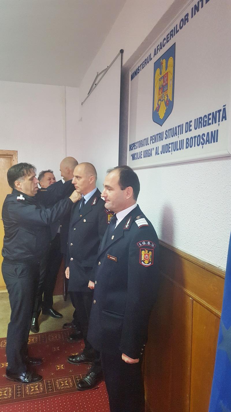 Pompieri botoşăneni avansaţi în grad, de Ziua Naţională a României-FOTO