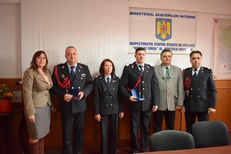 Pompieri botoşăneni avansaţi în grad, de Ziua Naţională a României! FOTO