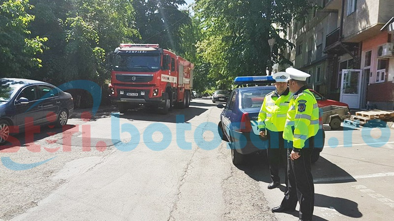 Pompieri chemați în ajutor de locatarii unui bloc din municipiul Botoșani - FOTO