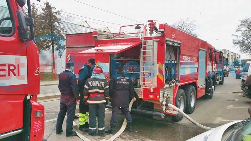 Pompierii au stabilit ce a generat incendiul de la mansarda unui bloc din Zona Industrială!