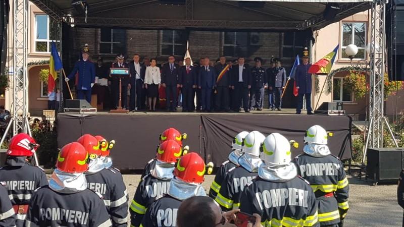 Pompierii botoșăneni, sărbătoriți de sute de oameni la Săveni! -FOTO