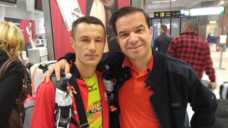 Pompierul-maratonist Iulian Rotariu, fotografie cu omul care ieri punea pe jar Guvernul României!