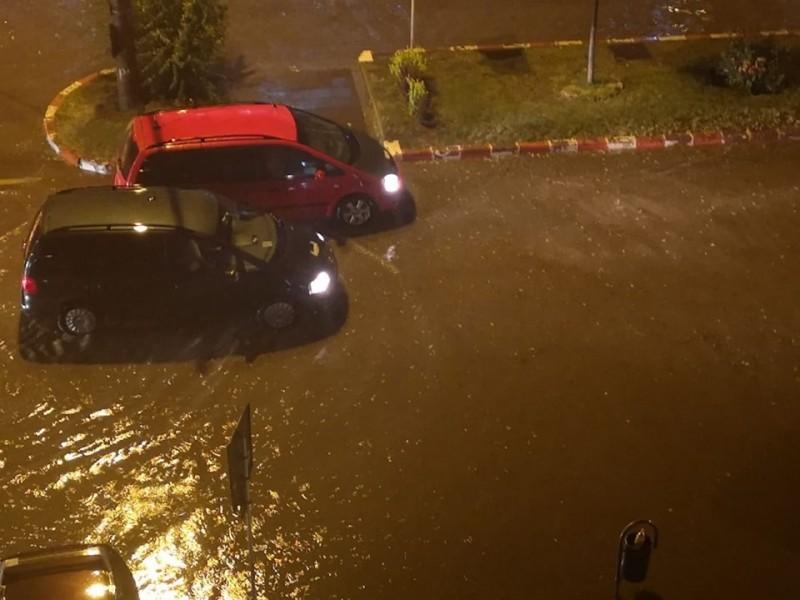 Potopul s-a abătut asupra municipiului Botoșani - FOTO, VIDEO