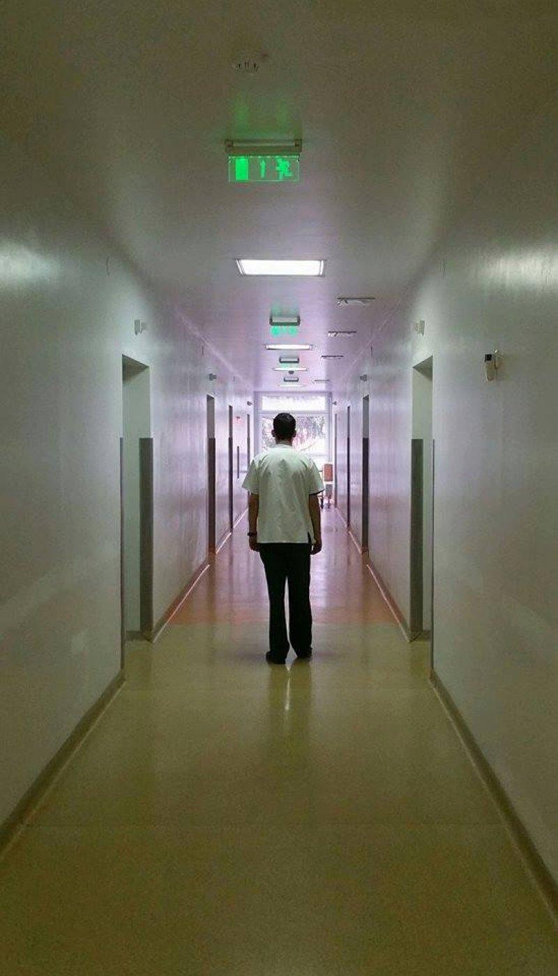 """Povestea unui tânăr medic devenit şomer în România. """"Ţară-ţară, vrei (sau nu) ostaşi?"""""""