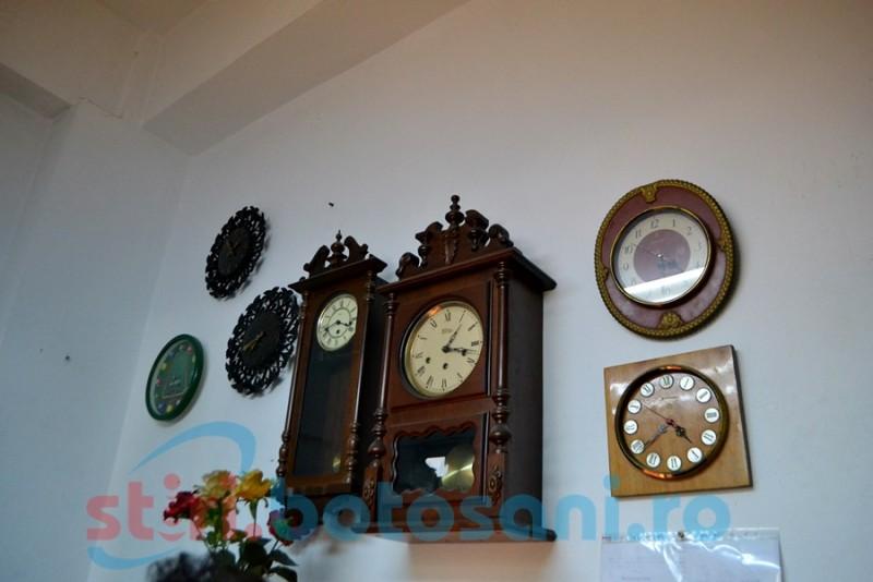 Poveştile ceasurilor noastre spun povestea ceasornicarilor noştri FOTO- VIDEO