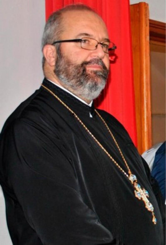 """Pr. Constantin Muha, director al Seminarului Teologic Ortodox """"Sf. Ioan Iacob"""" din Dorohoi: """"Tinerii sunt chemaţi să lupte pentru veşnicia lor"""""""