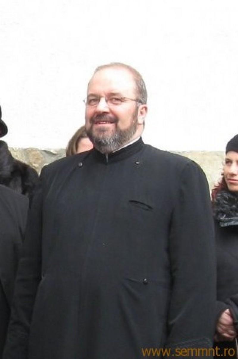 """Pr. prof. Constantin Muha: E nevoie de fiii cuminţi ai neamului acesta de """"sfinţi şi voievozi"""""""