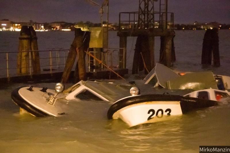 Prăpăd la Veneția - două persoane au murit FOTO
