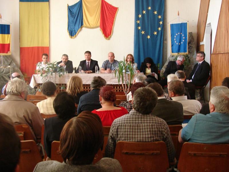 Prefectul Dan Șlincu, alături de șefi de instituții, a mers în județ pentru a afla problemele primarilor