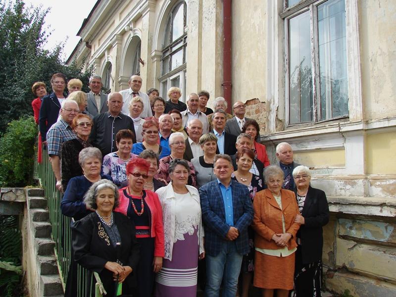 Prefectul alături de vârstnici, de ziua lor-FOTO