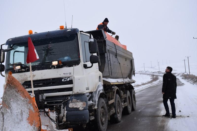 Prefectul Dan Șlincu, în control inopinat pe drumurile din judeţ! FOTO