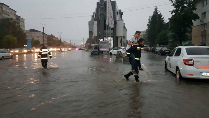 """Prefectul Dan Șlincu: """"Situația este sub control. Se intervine cu toate forțele și mijloacele necesare!"""""""