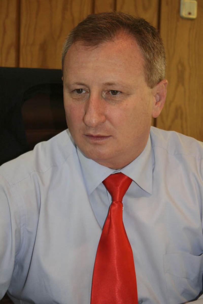 Prefectul de Botosani va renunta la un angajat al Cancelariei sale!