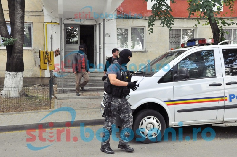 Prejudiciu uriaș! Percheziții la Botoșani pentru destructurarea unei rețele care se ocupa cu fraude informatice!