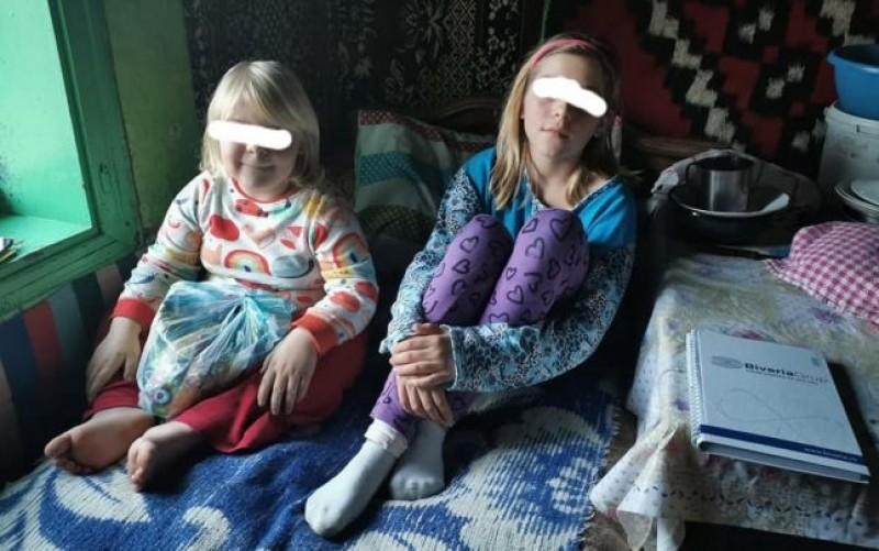 Premianta de la lumina lumânării. Cum a ajuns elevă eminentă o fată de 11 ani din Botoșani, care învaţă într-un bordei fără curent electric
