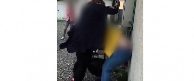Premieră în învățământul botoșănean: Elevele care au filmat agresiunea de la Vorona au fost pedepsite!