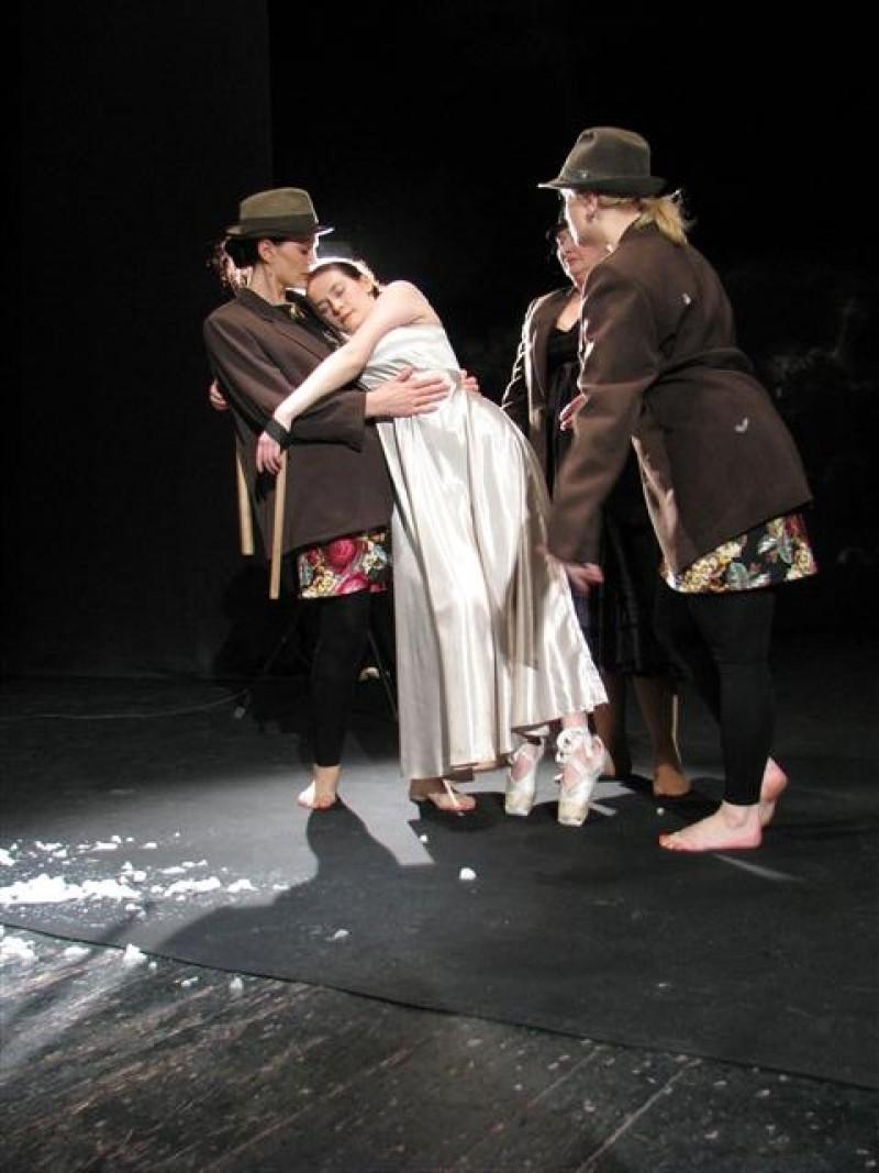 """Premiera: """"Oameni ai nimanui"""", la Teatrul Mihai Eminescu Botosani"""