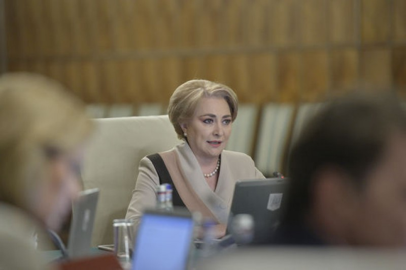 Premierul Viorica Dăncilă îl demite pe consilierul care a vorbit despre concedieri în sistemul bugetar!
