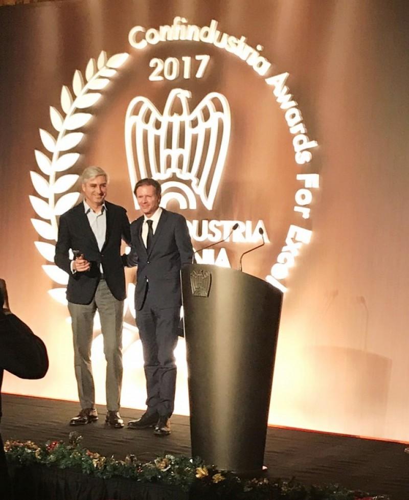 Premiu pentru cea mai inovativă firmă din România obţinut de o societate din Botoşani