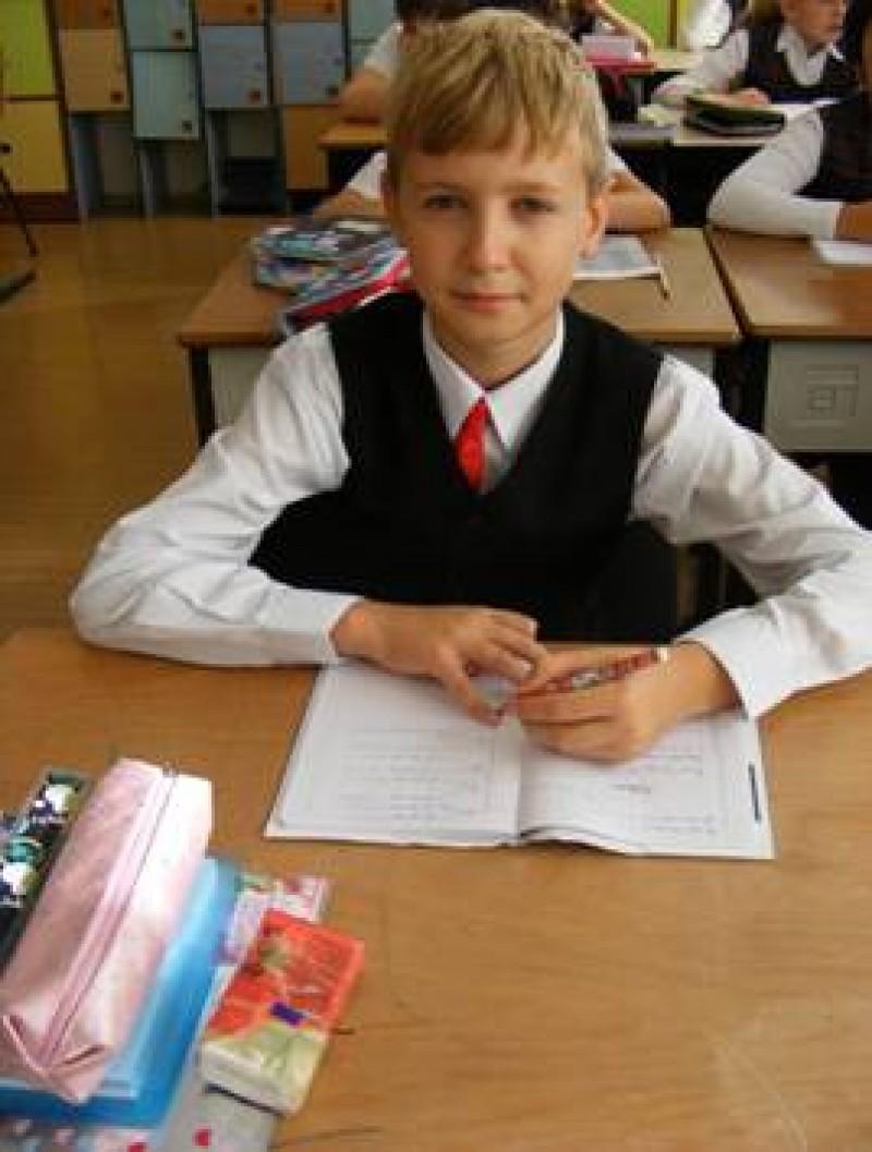 Premiul I la matematica i-a adus un laptop performant!