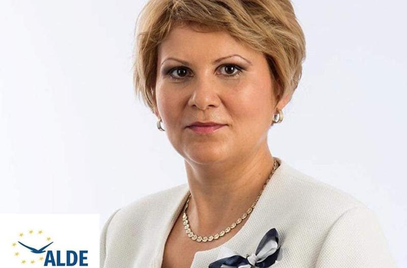 Președintele ALDE Botoșani, Roxana Florentina Țurcanu: Tinerii căsătoriți au nevoie urgent de o susținere financiară din partea statului!