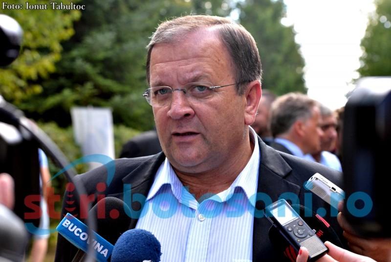 """Președintele CJ Suceava: """"Am chemat și județul Botoșani într-un mare proiect"""". Ce vrea să facă pe Aeroportul de la Salcea!"""