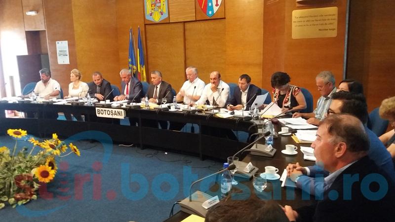 Preşedintele Consiliului Judeţean îşi prezintă activitatea din ultimii doi ani