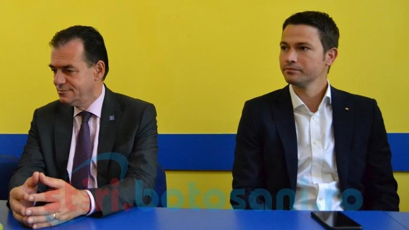 """Preşedintele şi secretarul general al PNL, în turneu la Botoşani. """"Nu vreau să conduc dintr-un fotoliu de la Bucureşti"""""""