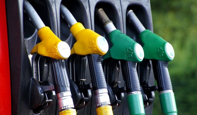 Prețul benzinei la pompă va crește cu aproape 8%