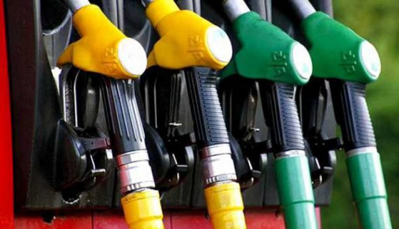 Prețul carburanților din benzinării a depășit 5 lei pe litru