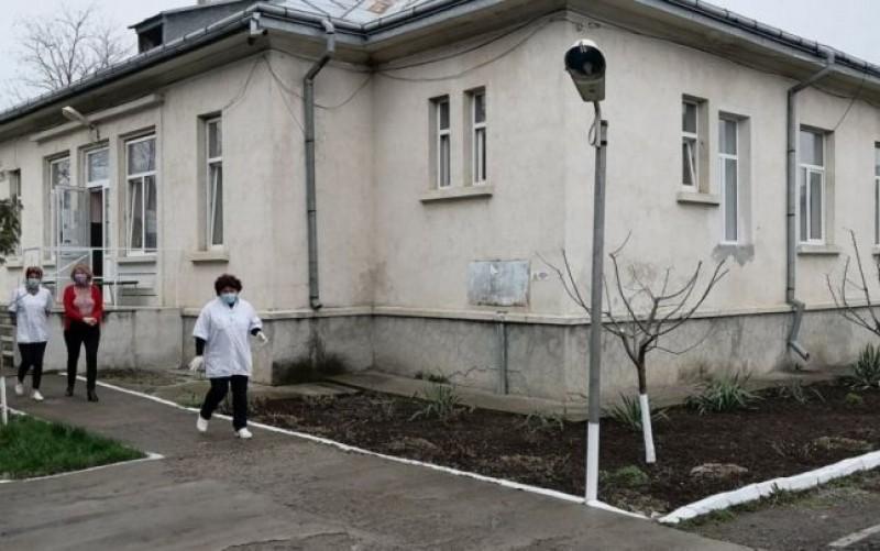 Prețuri halucinante cerute pensionarilor din Căminul de bătrâni de la Trușești: peste 1000 de euro pentru un pat și o masă caldă