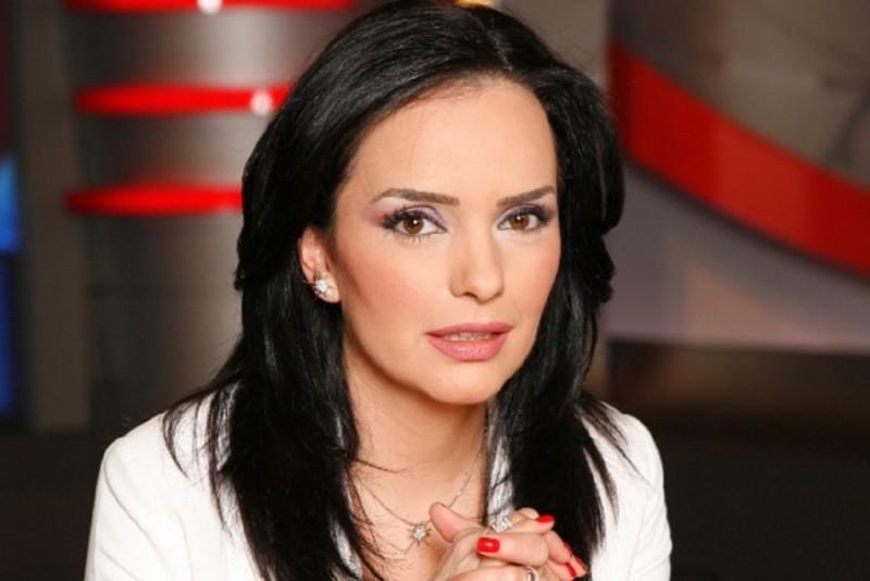 """Prezentatoarea TV Magda Vasiliu: """"Când italienii îi fac copilului meu analize din trei în trei zile pentru a se asigura că e totul OK, România, ţara mea, îmi cere acte peste acte, avize şi documente traduse"""""""